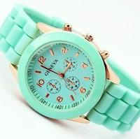 2014 Casual Watch Geneva Wristwatches Man Women Quartz Watch Women Dress Watch Women's Fashion Watches Round Analog Atmos Clock