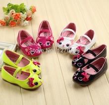 2015 modelli scarpe ragazze pattini della principessa luce del mouse in pelle scarpe studenti coreani a quattro colori scarpe di cuoio per bambini(China (Mainland))