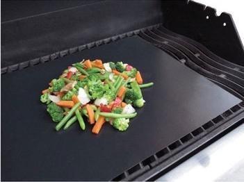 2Pcs/lot,33*40cm BBQ Grill Mats Hot Plate Mat for cooking baking microwave oven mat PFOA- free(China (Mainland))