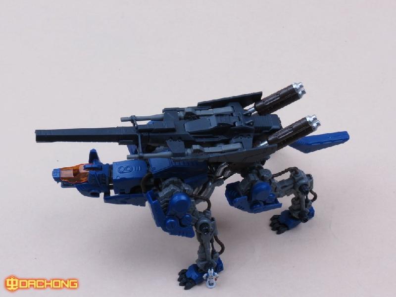 Tomy zoids toys models chaotic century 1/72 Mechanical beast running wolf(China (Mainland))