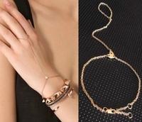 Wholesale Jewelry Fashion Heart Linked Finger Loop Hand Harness Bracelet Sale 8600