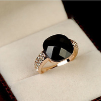 Free Shipping 2014Popular black crystal diamond female personalized ring vintage small accessories