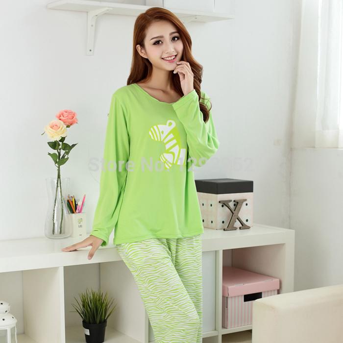 nuovo arrivo l'autunno del latte di seta degli indumenti da notte set cartoon femminile cavallo stampato di colore solido comodi pigiami(China (Mainland))