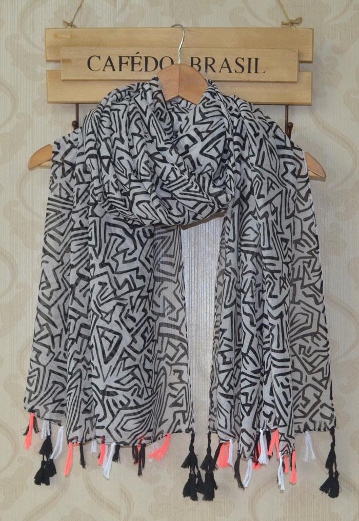 2014 fall fashion for women,geometry print,viscose hijab,Muslin hijab,scarf women,winter scarf,shawls and scarves,bandana,cape(China (Mainland))