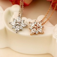 New Fashion Jewelry 18K Gold Plated Zircon Flower Pendant Necklace For Women Accessories Free Shipping