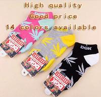 Free shipping New retail fashion sports cotton socks for men hipop Weeds socks for boy free size DGK socks for girl