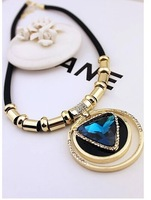 The new triangular crystal necklace all-match Circle Necklace Leather Cord Necklace Jewelry Chain short clavicle