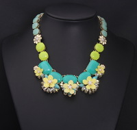 Women brand statement resin flower color thick Shourouk crystal necklace and pendant jewelry wholesale and sell like hot cakes