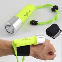 3C High Quality Waterproof  Handfree Wristband Torch Lamp Underwater Diving 1600LM CREE XM-L T6 LED Flashlights For Sale C3