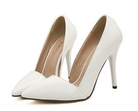 With the side of the empty small single shoes Fashion pointed high-heeled shoes black White 35-40 yards