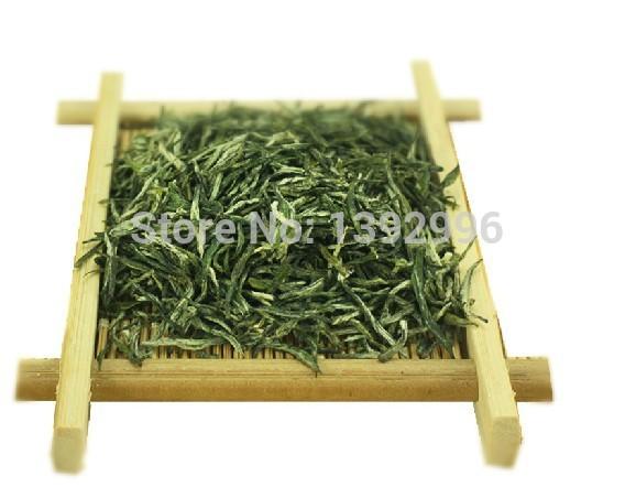 Spot straight hair 2014 new tea Origin Xinyangmaojian grade spring green tea farmers direct(China (Mainland))
