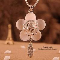 CMN006 Long Necklace Fashion Female Elegant Temperament Crystal Flower Necklace Sweat Chain