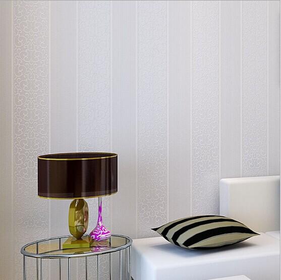 Slaapkamer Beige Grijs : White Grey Stripes Bedroom Wall Paper