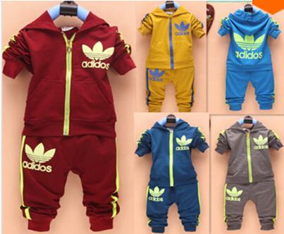 Nueva primavera otoño bebé niños niñas deporte conjunto traje de manga larga con capucha conjuntos t los niños shirt+pants 2 pcs ropa ropa de abrigo conjunto