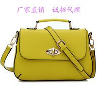 2014 new handbag Messenger shoulder bag twist lock clamshell laptop bag Korean version of the influx of women fashion leisure ba