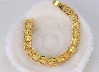 Korean fashion jewelry jewelry mixed batch of classic 18K gold-plated bracelet hollow