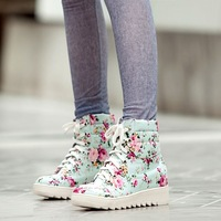 British Style Vintage Big Flower Women Motorcycle Boots Fashion Lacing Women Martin Boots Sweet Casual  Flat Heel Snow Boots