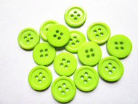 300pcs Light Green15mm Round Resin Buttons Sewing 4 Holes Butttons Garment Buttons For Scrapbooking Baby Buttons Crafts