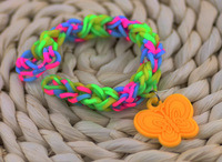 2014 wow rubber bracelet accessories 20 pcs Silicone pendant  rainbow elastic bracelet with cartoon doll accessories s17