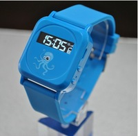Kids GPS traker watch Four color hot sale traker GPS watch hot sale watch