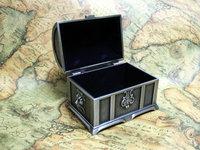 Tin vintage jewelry box Chest Decor Metal Alloy storage box gift 7 x 5.5 x 4.2 cm