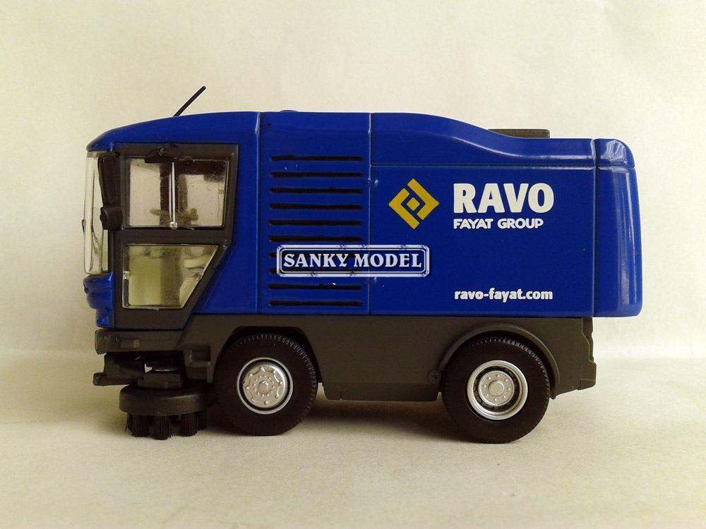 1:50 Ravo fayat street sweeper model twith blue Truck toy(China (Mainland))