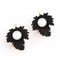 Korea Fashion Sweet Enamel Leaves Earring Female Pearl Earring