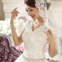 The new high-end wedding dress 2014 Korean version of the word shoulder v-neck white lace shoulder straps tied Ms.