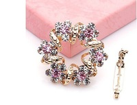 2014 the newest wreath scarves buckle /brooch, High-grade Christmas brooch,Chain.scarves buckle amphibious free shiping