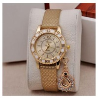 Fashion Alloy  Quartz Watches Women Dress Watch Casual Sport Watch Hot New European and American Style L 010
