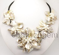 """Free Shipping Wholesale>>>natural white pearl shell mother of pearl 5 flower pendant necklace 18"""" long"""