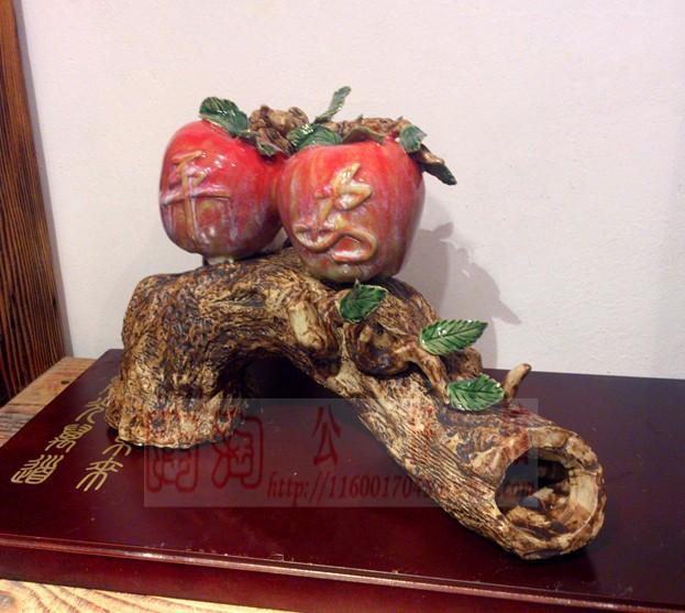 Artesanato em cerâmica Shiwan cabeça da boneca decorações de frutas de presente enfeites de árvore paz(China (Mainland))