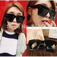 5210 big sunglasses Han Guochao men and ladies in Europe and the black super black big square box face sunglasses