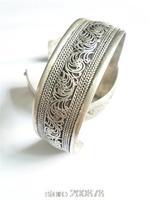 BB-040 Tibetan silver Vintage lucky flower bangle Nepal handmade open cuff Antiqued bracelet