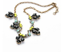 2014 New Fashion Neutral Versatile Lila Crystal Honey Bee Pendent Statement Necklace Women Jewelry Top Christmas