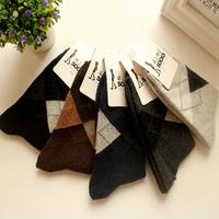2014 autumn winter socks thicken thermal plaid wool socks men's socks meias masculinas casual dress short socks