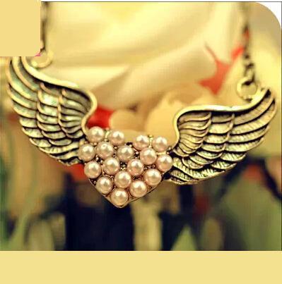 OMH wholesale 6pcs OFF25 1 01 pcs XL17 fashion accessories vintage pearl powder love wings necklace