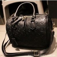 Strengthen edition fashion vintage embossed black portable women handbag shoulder bag messenger bags