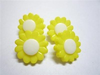 500 Pc lovely 15MM Yellow chrysanthemum Clothes button