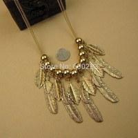 2014 new jewelry Vintage royal metal feather rivet necklace rivet short design chain necklaces & pendants