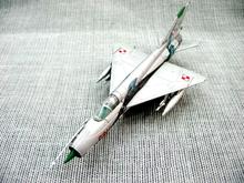 Grátis frete com 1 : 100 MiG-21MF MiG-21 lutador liga modelo de aeronave helicóptero acabado(China (Mainland))