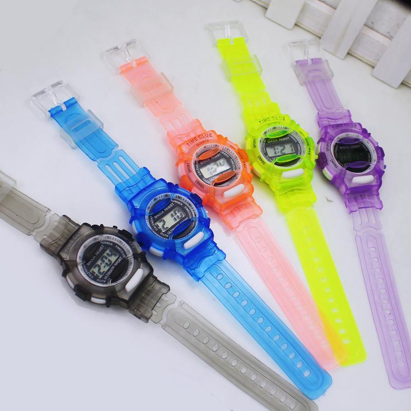 2014 Popular Men Women Watch Boys Girls Sports Running Rubber Digital Gifts Time Clocks 6 Colors Avaible, Free Shippiing(China (Mainland))