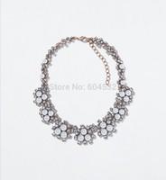 Wholesale Autumn Jewelry Stylish Geometric Acrylic Choker Statement Venetian Pearls Necklace Party Collar for Women
