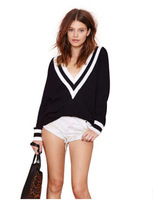Black and white leaders mouth rib stitching deep V hedging sweater knit navy sweater wind