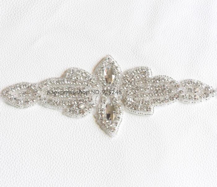 free shipping 2pcs/lot flower-shape clear crystal rhinestone applique beaded stone trims hotfix motif clothing embellishments(China (Mainland))