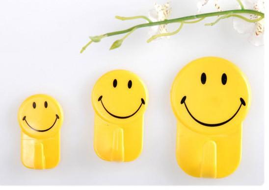 3 Pcs Smile Face Mutifunctional Bathroom Kitchen Towel Hanger Hook(China (Mainland))