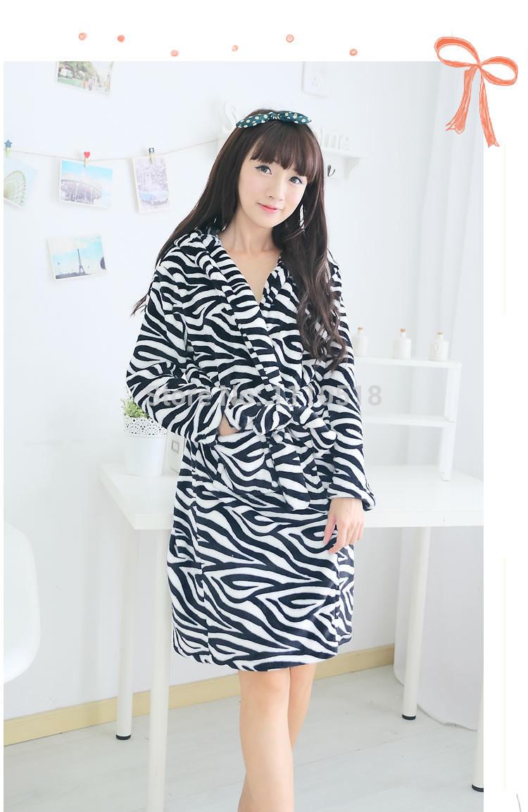 Мода нью-зебра печать фланель халат гостиная осень и зима халат с длинными рукавами ватки мультфильм животных халат