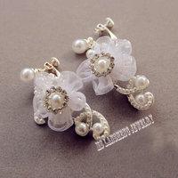 Beautiful Lace Flowers Bride Earrings Bridal Wedding Crystal Rhinestone Pearl Dangle Earrings Fashion Women Accessories