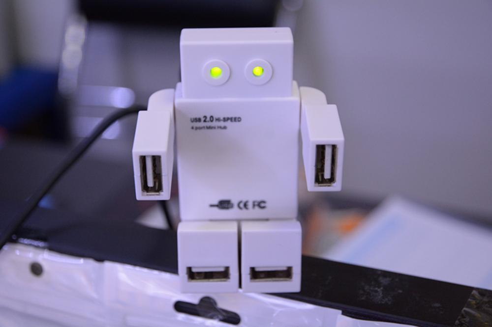 LED EYES ROBOT HUB High Speed Mini Slim 4 Port USB 2.0 USB Hub Converter Adapter for Laptop PC TabsFREE SHIPPING(China (Mainland))