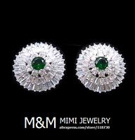 Luxury Sparkling Micro Pave Setting AAA Cubic Zirconia Emerald Green Zircon Stud Earrings Elegant Bridal Wedding Earrings